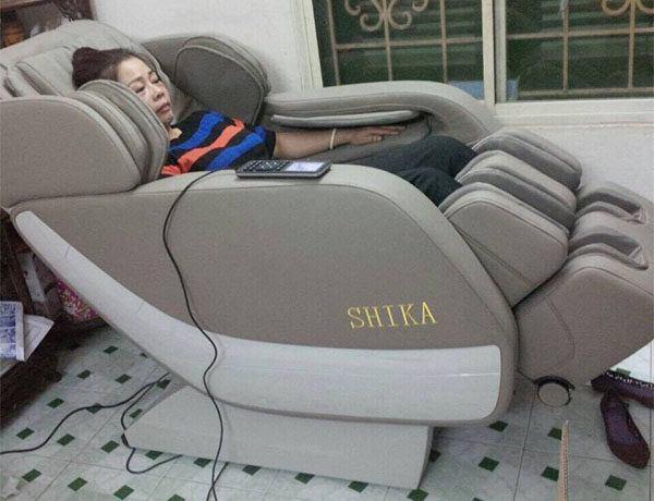 phản hồi của khách hàng mua ghế massage shika