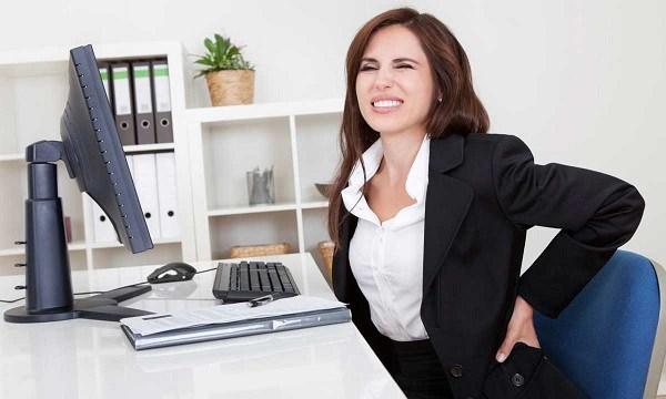 Đau lưng thường xuyên khiến bạn mệt mỏi khó chịu