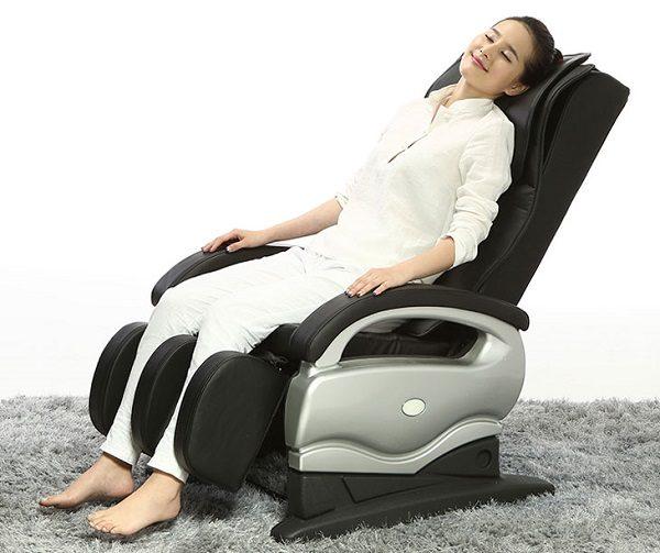 Kinh nghiệm mua ghế mát xa cho người cao tuổi