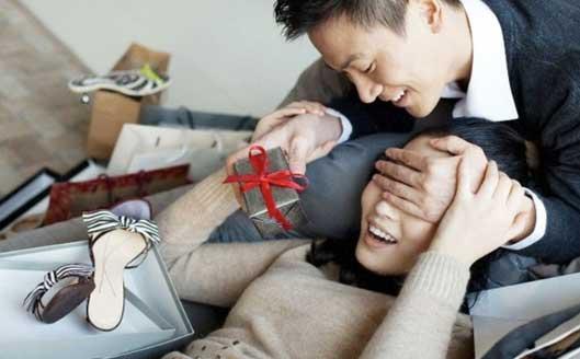Mua ghế massage tặng vợ và cái kết bất ngờ