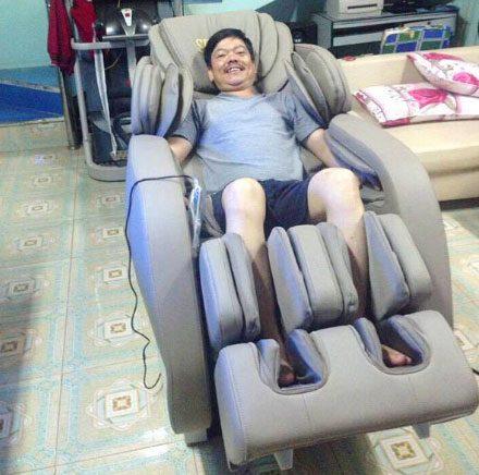 sử dụng thử ghế massage tại nhà trước khi mua