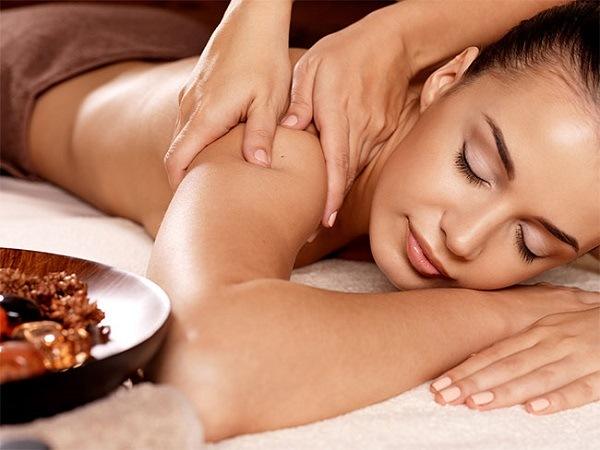 ghế massage Nhật Bản thư giãn cơ thể toàn diện
