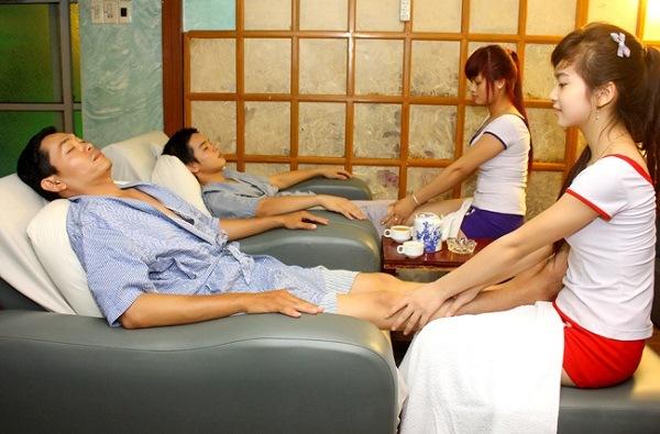 từ ngày mua ghế massage chồng không đi mát xa ở tiệm