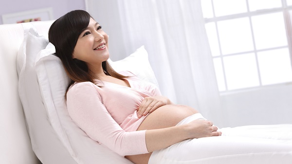 Vợ mang thai mua ghế mát xa cho chồng