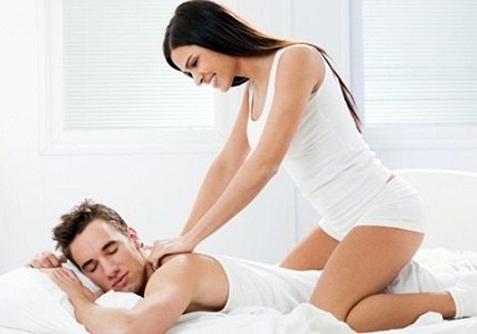 Cách đấm lưng cho chồng