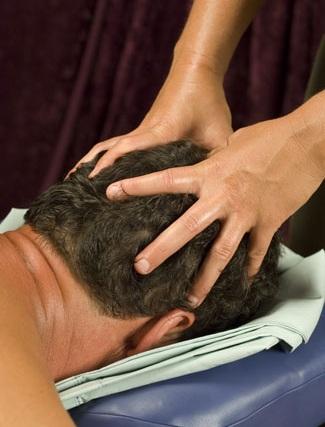 cách massage đầu cho nam giới