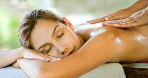 Cách massage lưng cho nam