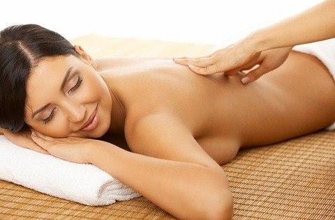 Bấm huyệt thư giãn nghỉ ngơi hợp lý hết đau lưng