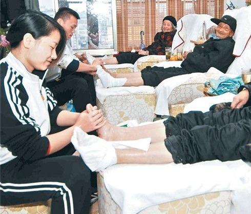 Thực hiện các bài massage thư giãn, xoa bóp mỗi ngày